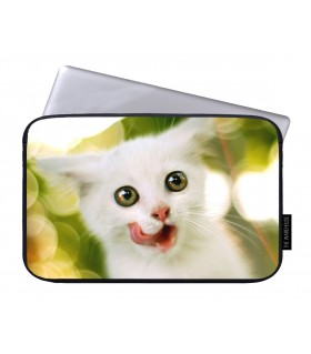 Beautiful Cat printed laptop sleeves